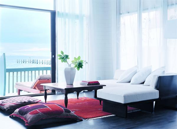 low_079169_44153617_dhoni_loft_suite_living_room